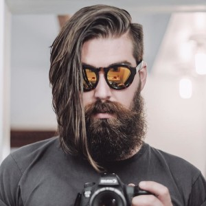 Men's Long Hair With an Undercut