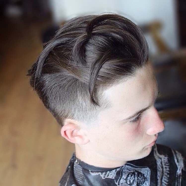 conortaaffehair_and short side and long hair on top in sections