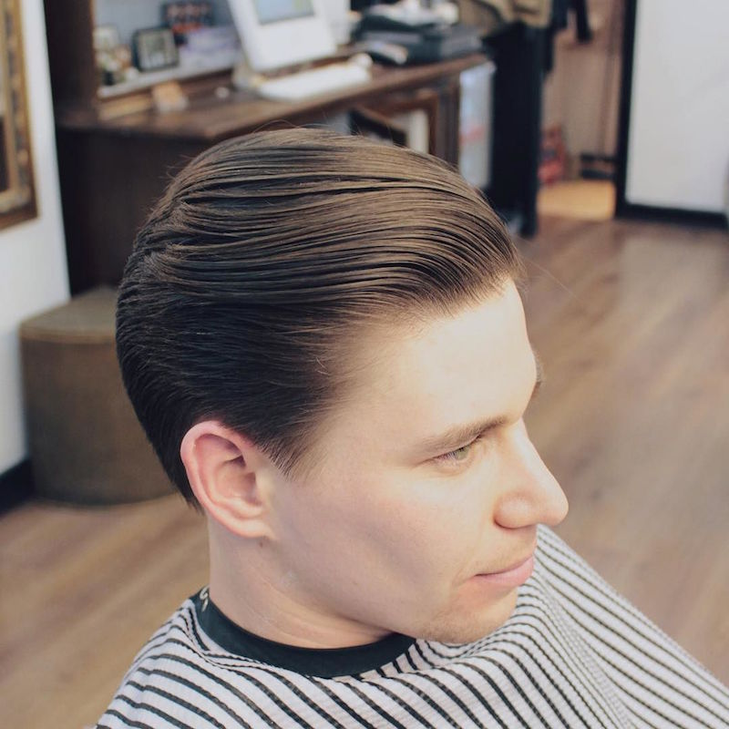 liamthebarber_and clean mens haircut slicked back
