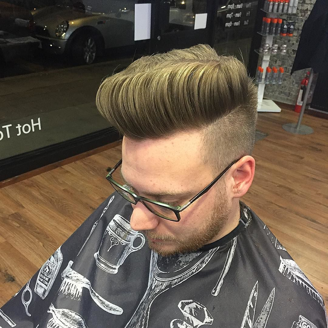 pomp high fade haircut classic mens haircut