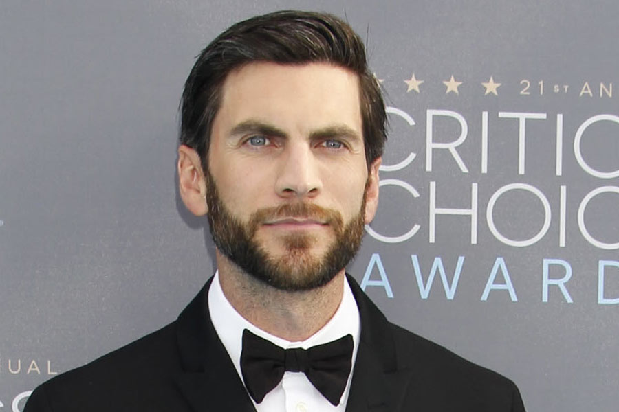 Wes-Bentley-Medium-Mens-Hair-2016-Getty - 27 Celebrity Hairstyles For Men 2016 - Men's Hairstyle Trends
