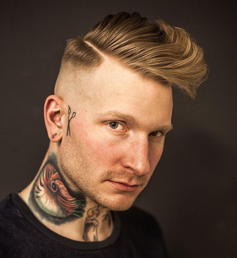barber_djirlauw_and mid fade hard part long fringe