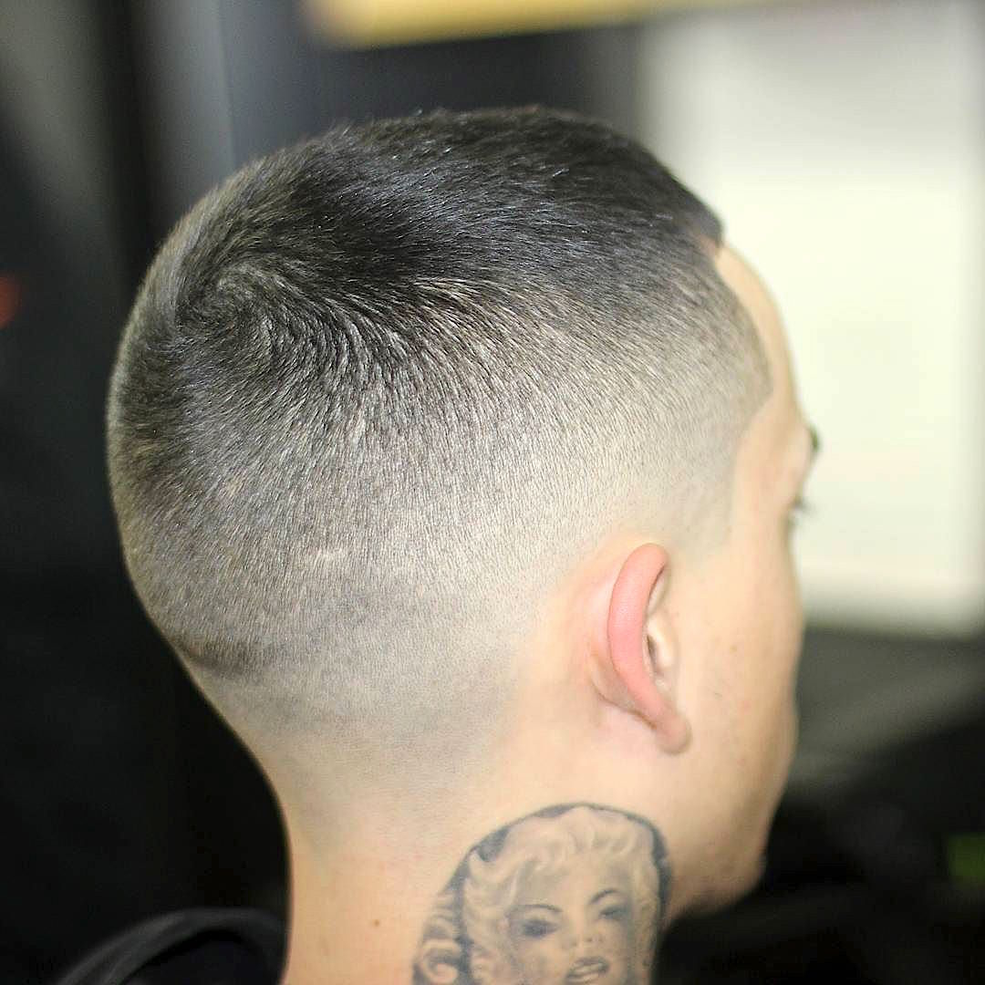 delriothebarber11_short hair men blurry fade-