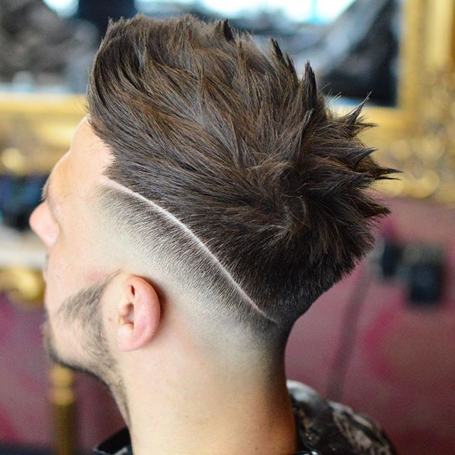 Textured spiky hairstyle for men