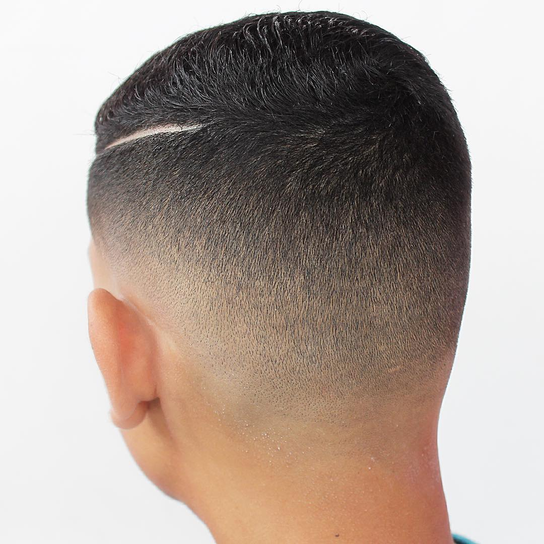 kings_style1-short-haircuts-for-men-blurry-fade-hard-part