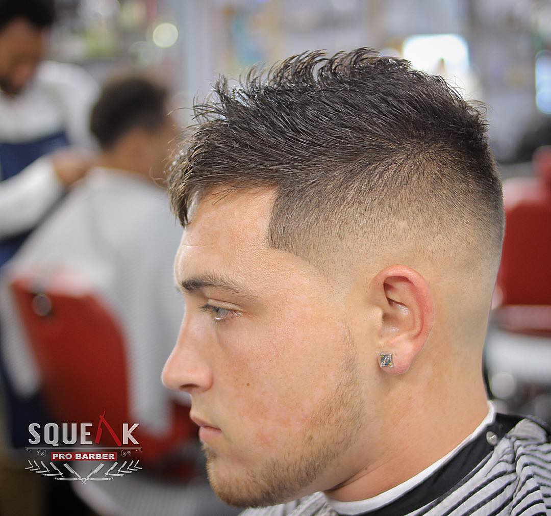 squeakprobarber-mid-skin-fade-fohawk