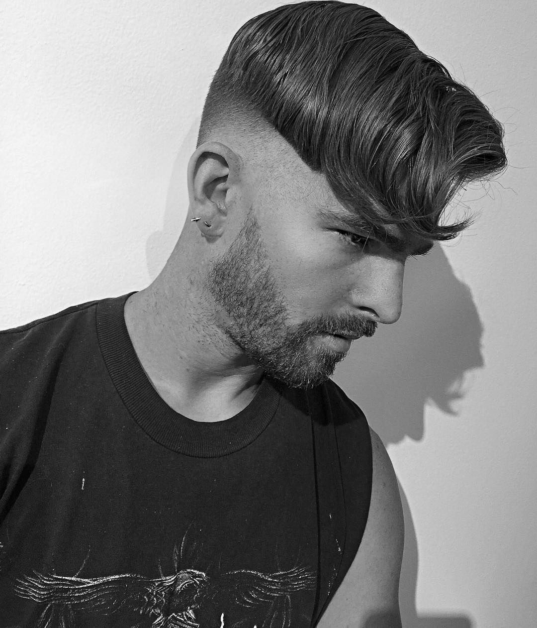 Cool undercut for men with long fringe