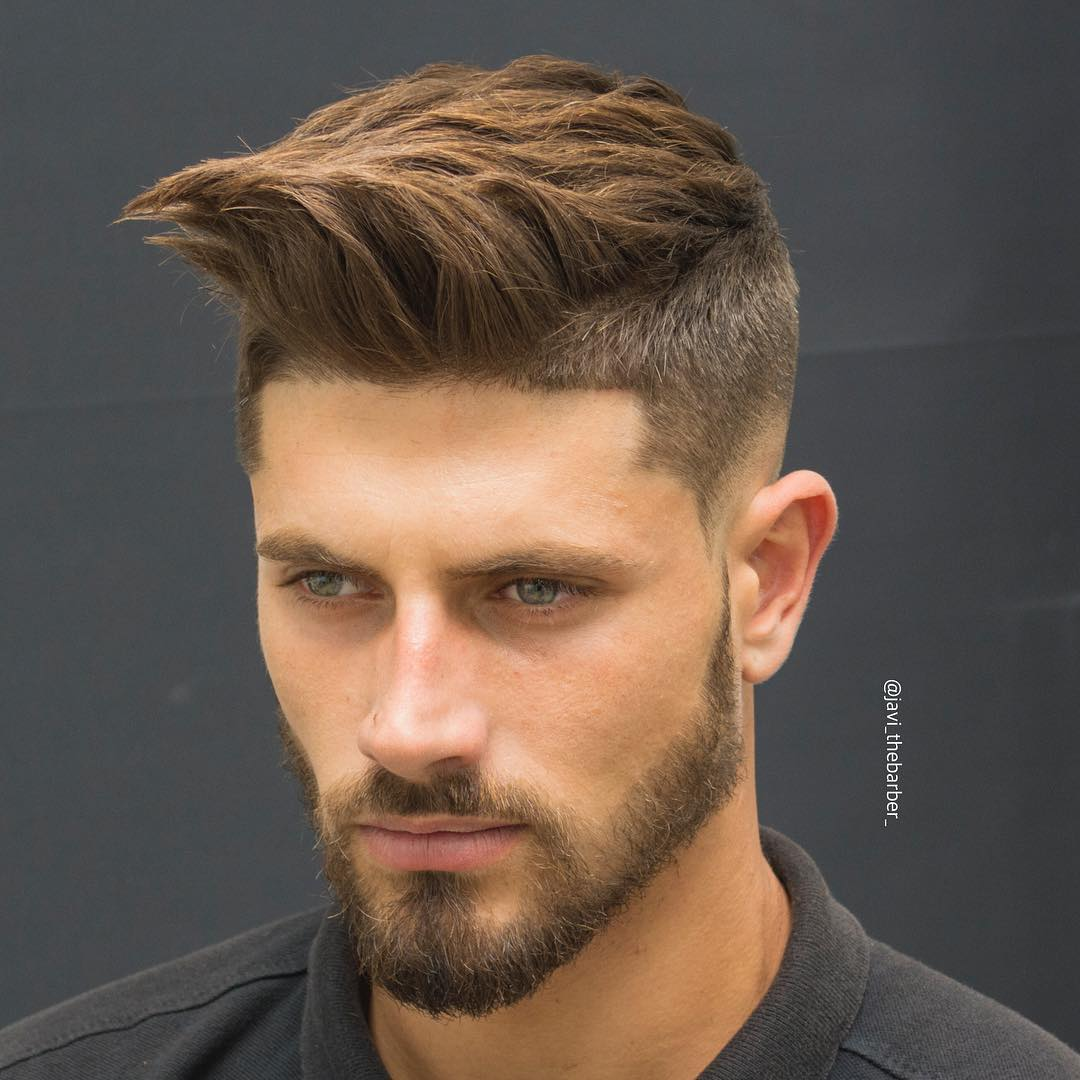 javi_thebarber_-short-haircut-for-men-textured-quiff-front