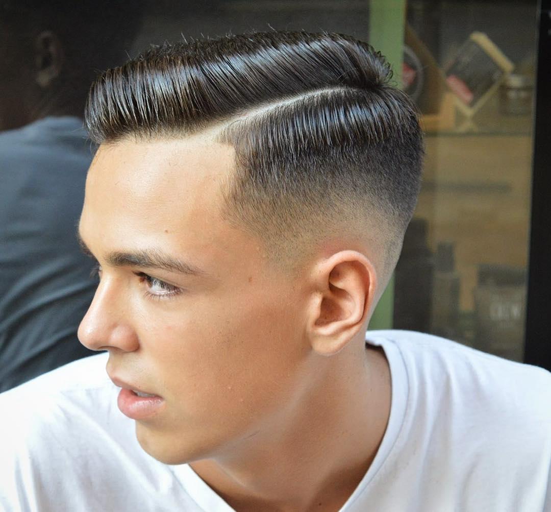 virogas-barber-slicked-short-mens-haircut-side-part-combover