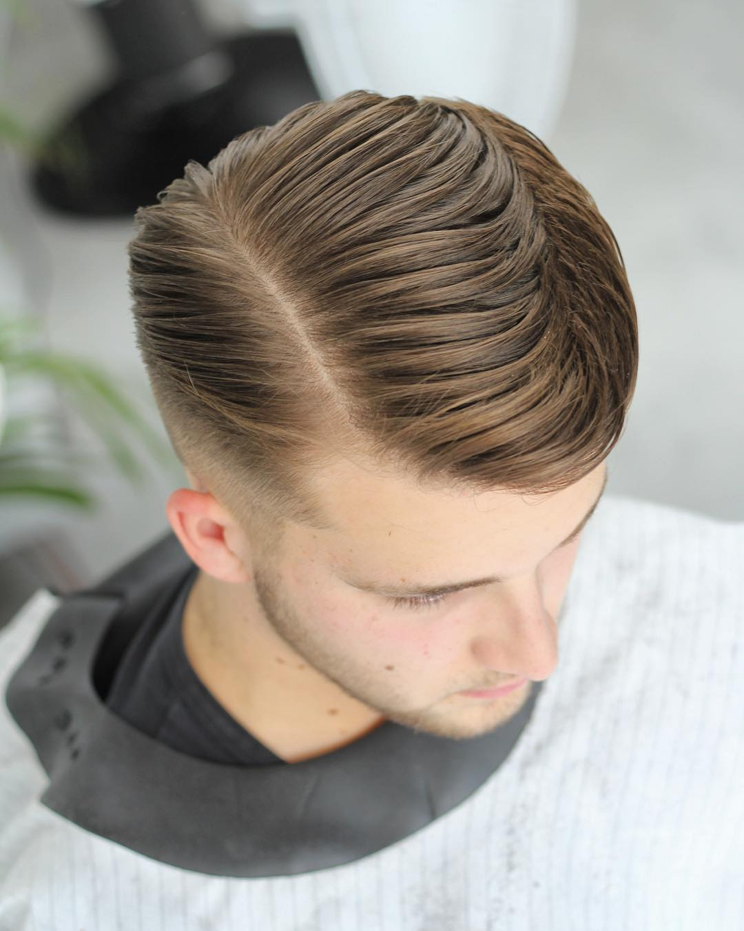 alan_beak long side part mens hairstyle