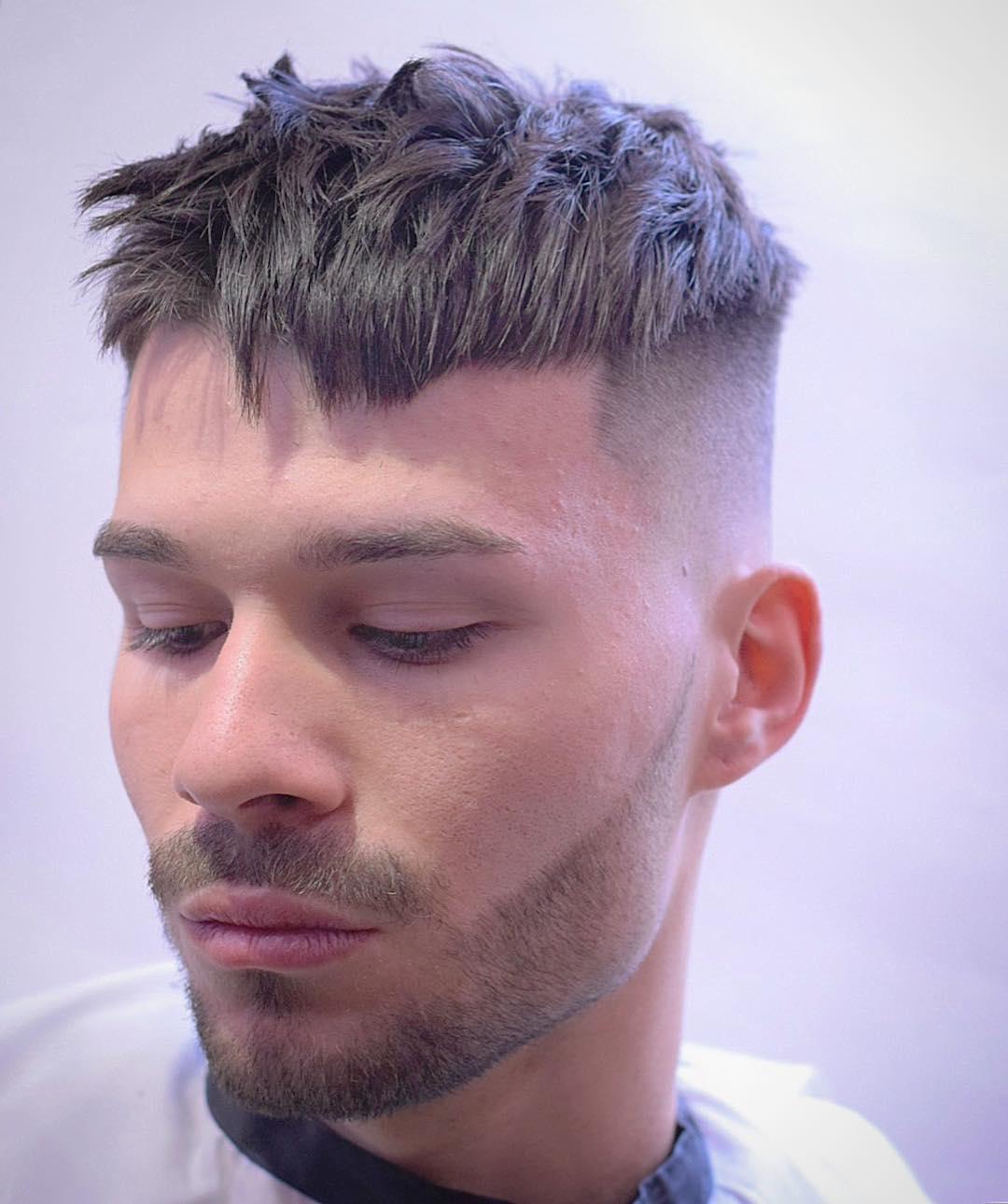 aleb_barber cool crop haircut for men best men's haircut