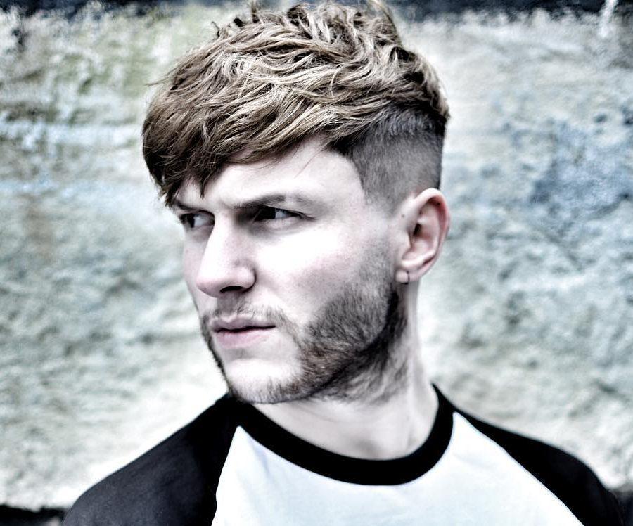 conortaaffehair cool wavy textured haircut for men