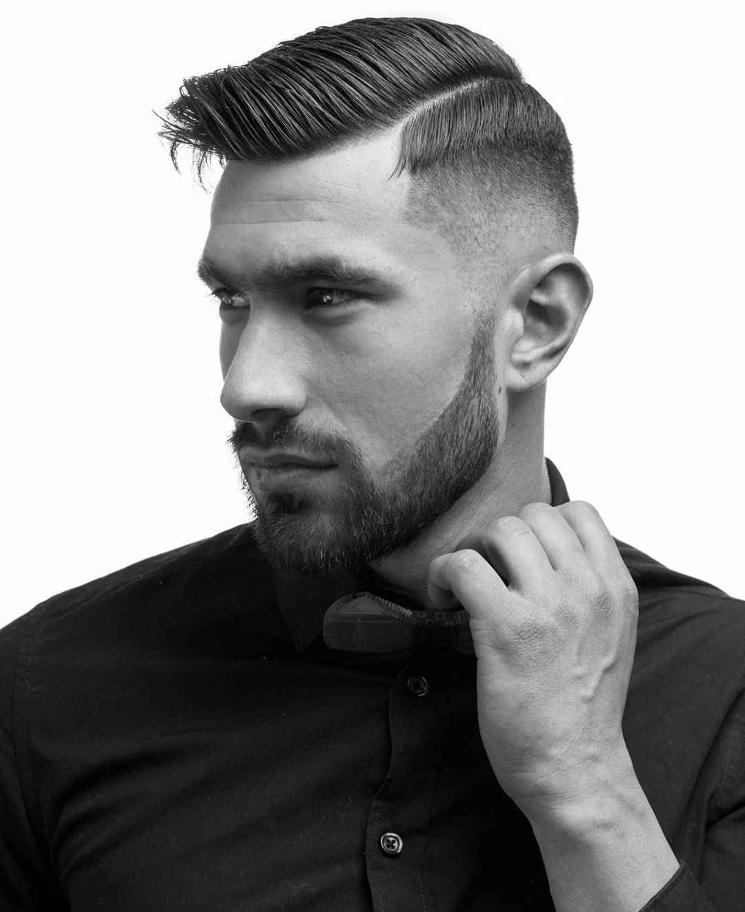 lianos_urban_cutz mid fade haircut with side part