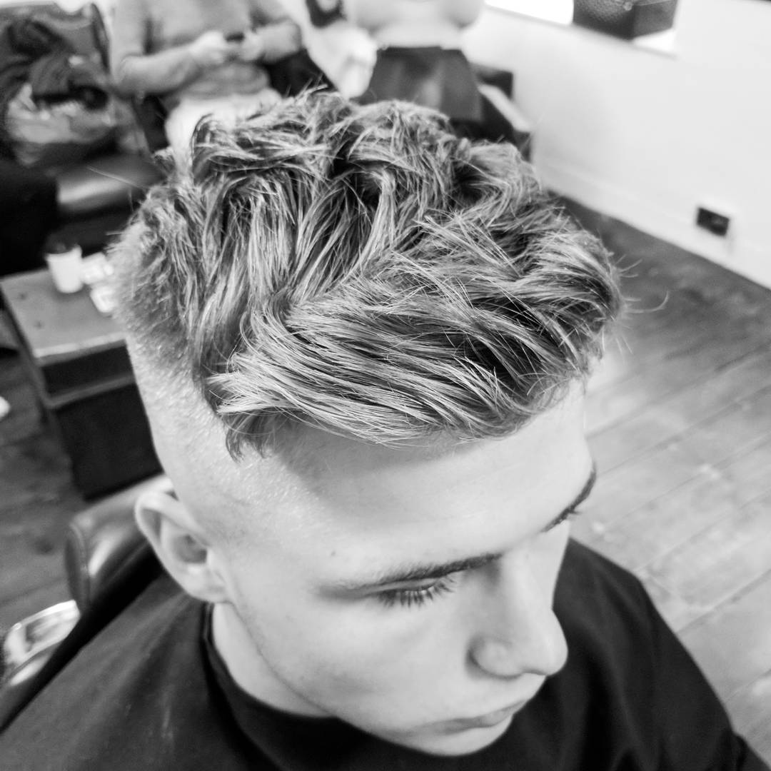 ross_blue_steel_barber wavy textured mens haircut