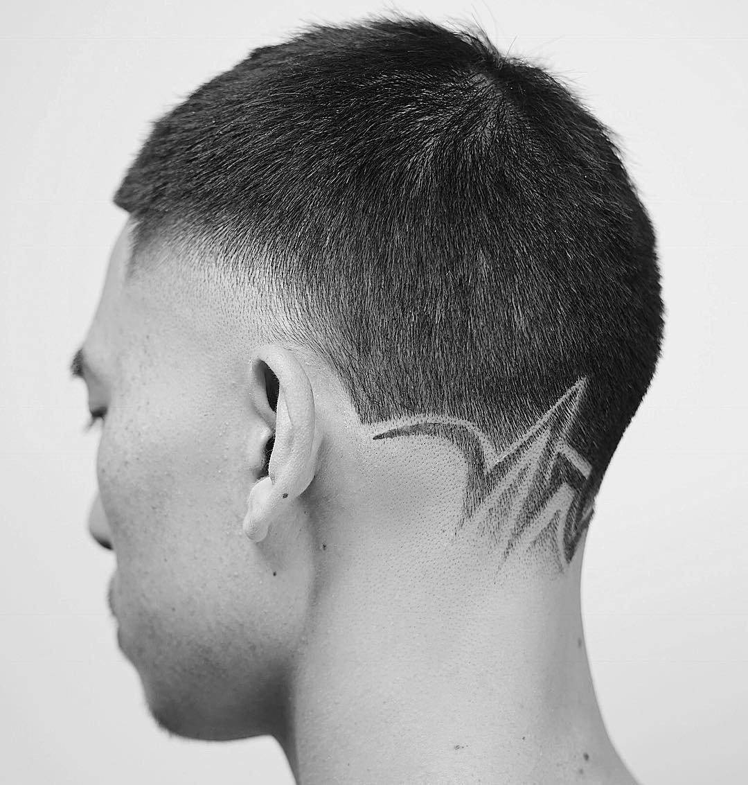 short haircut with neck design