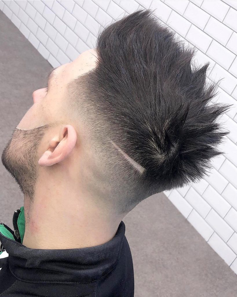 12+ Cool Haircut Designs With Lines For Guys (12 Styles)