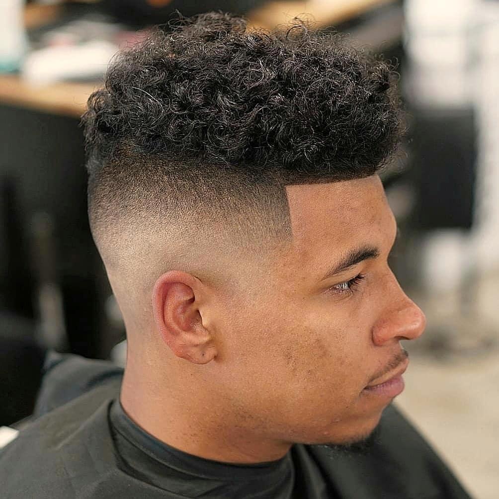 coupes de cheveux à fondu élevé pour les cheveux moyens