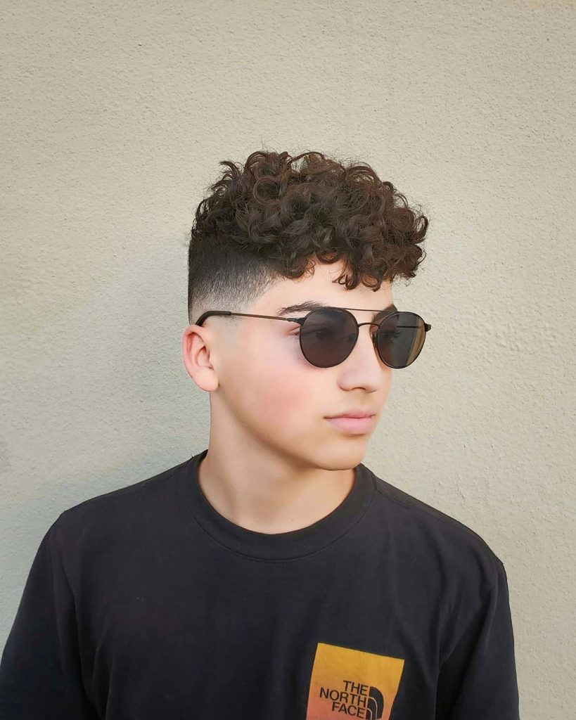 stylish haircuts medium curly hair