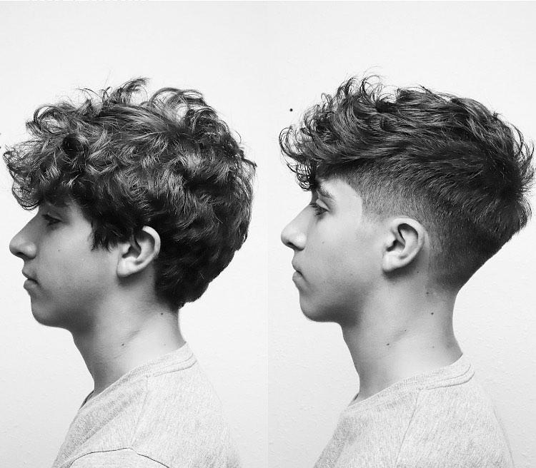 coupe de cheveux texturée pour cheveux bouclés moyens