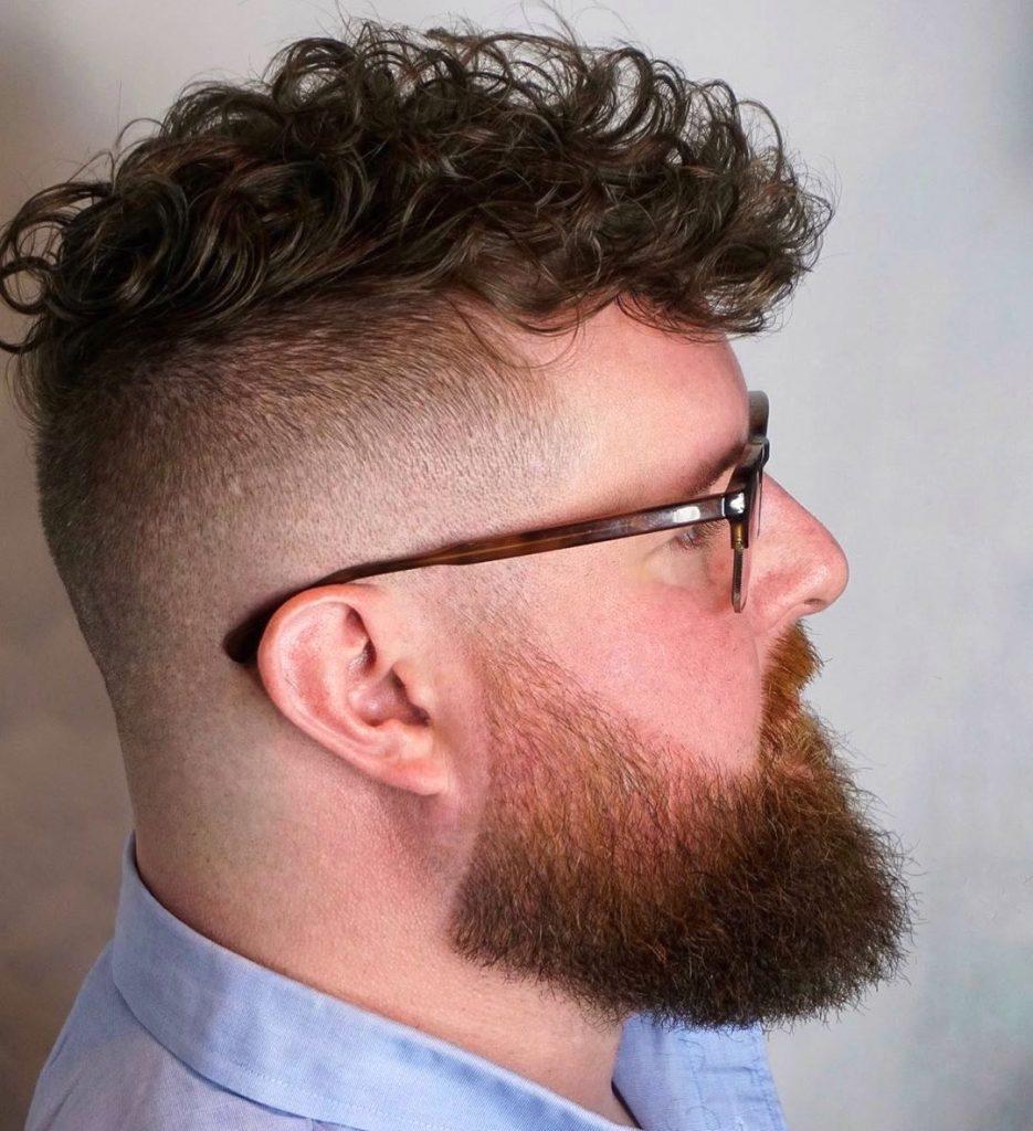 dégagement pour les cheveux bouclés courts