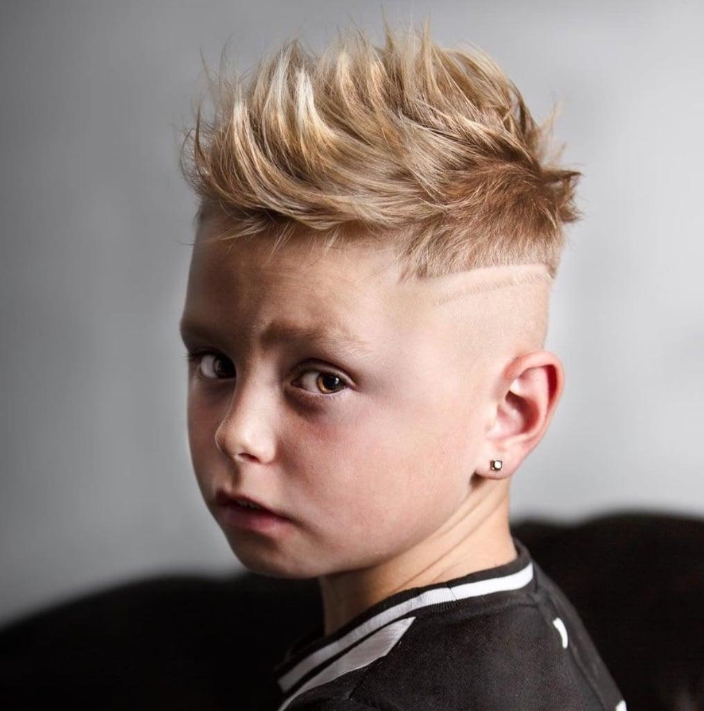 Short hair fade haircut for boys